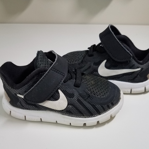 new concept 32167 fc137 Nike Free RN toddler sneaker
